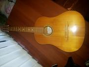 Продам акустическую гитару дешево